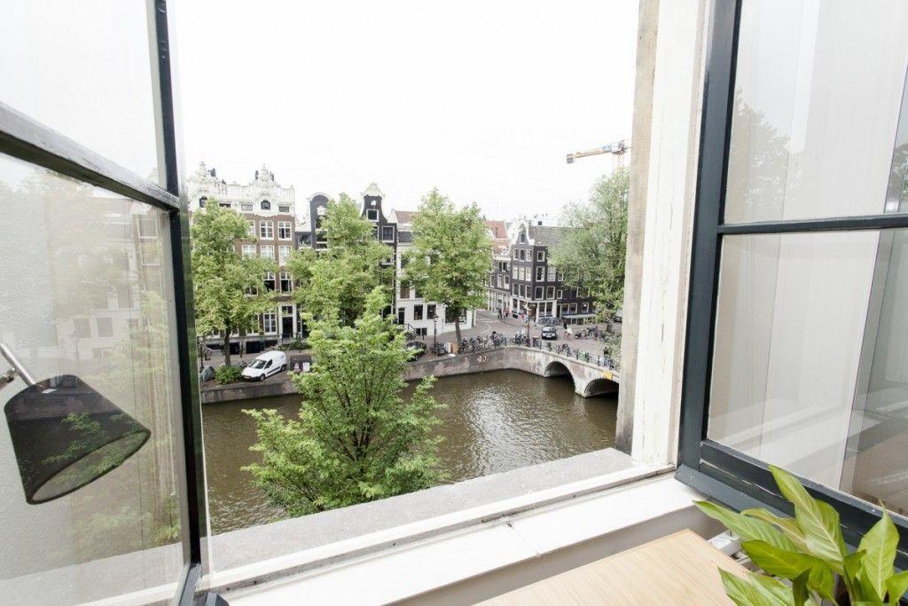 Uitzicht vergaderruimte bij Amsterdam Offices